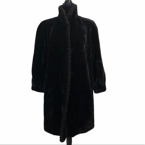 Unique Int'l faux fur winter coat with pockets
